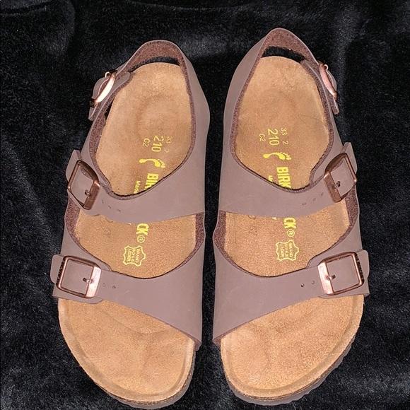 ac34512aeb21 Birkenstock Shoes - Birkenstock Roma sandals for kids